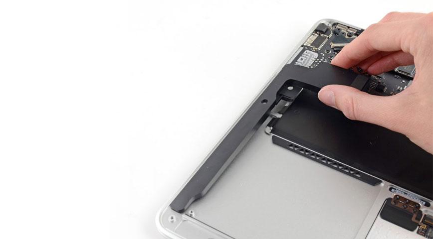 Замена динамика / динамиков MacBook Pro